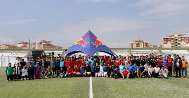 Genç Sporcular Futbol Turnuvasında Buluştu
