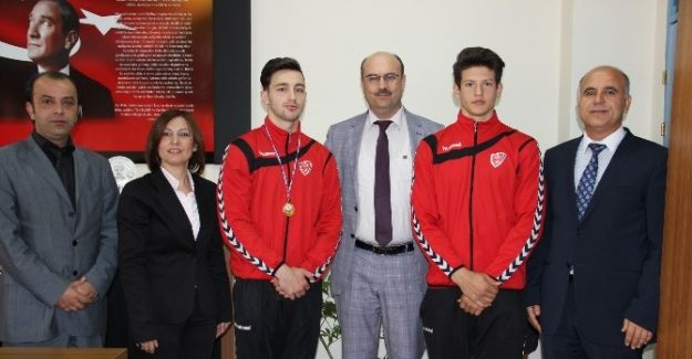 Manisa Spor Lisesi Öğrencisinden Cimnastikte Büyük Başarı