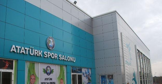 Atatürk Spor Salonu açılışa gün sayıyor