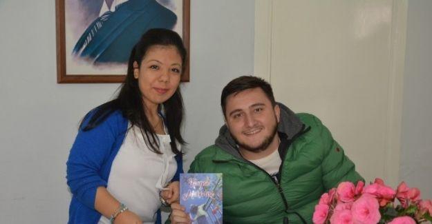 Bedensel engelli lise öğrencisi ilk kitabını çıkardı
