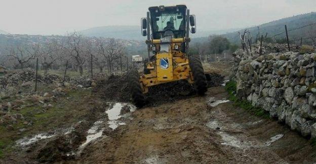 Yunusemre'de arazi yolları yenileniyor