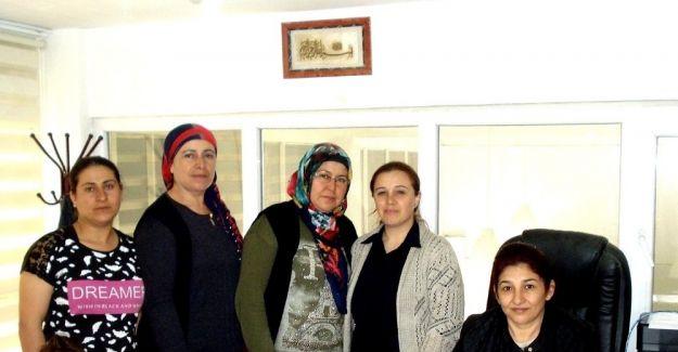 AK Partili kadınlara 55 yeni üye