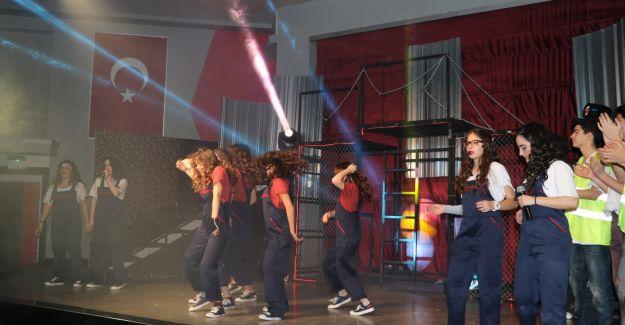 'Flashdance' Büyüledi