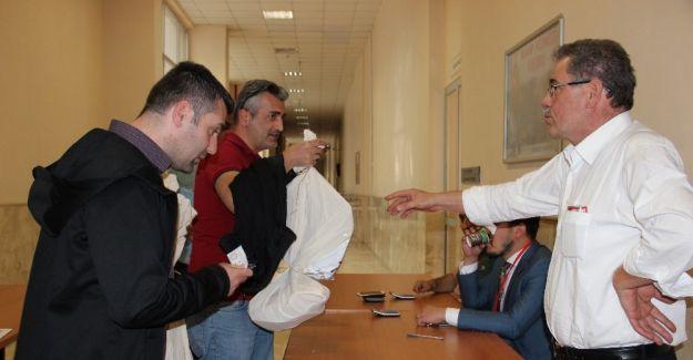 Manisa'da oylar seçim kurullarına gelmeye başladı