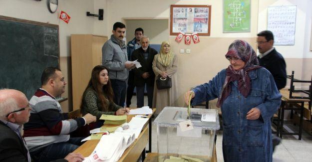 Manisa'da seçmen sayısı yaklaşık 19 bin kişi arttı