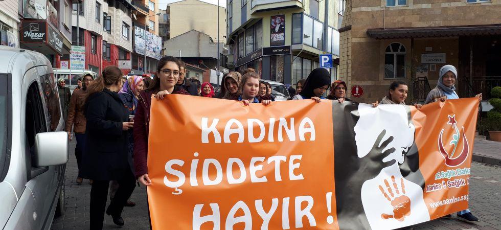 Demirci'de 'Kadına yönelik şiddete hayır' yürüyüşü