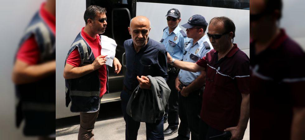 Manisa'da askerlerin zehirlenmesi olayında 2 kişi serbest bırakıldı
