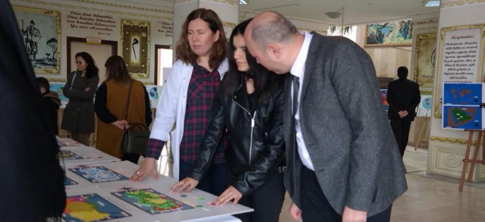 Görme engelliler için tasarlanan haritalar sergilendi