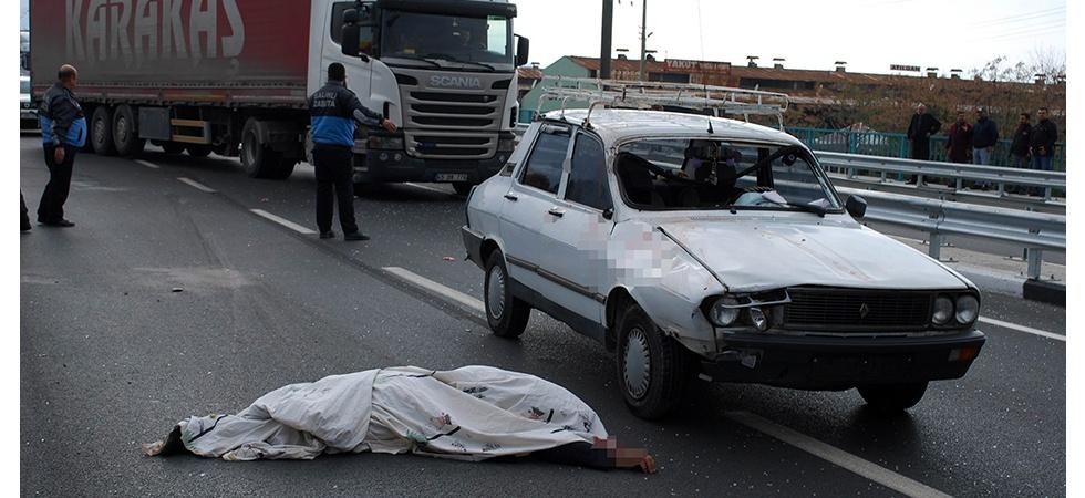 Manisa'da feci ölüm! Otomobilin çarptığı yaşlı adam öldü