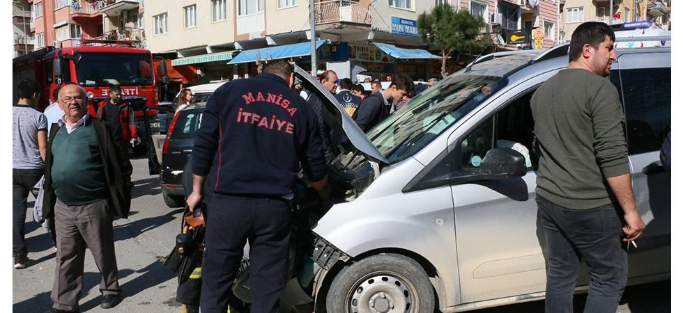 Polis memurunu darp etti, kaçarken kaza yaptı