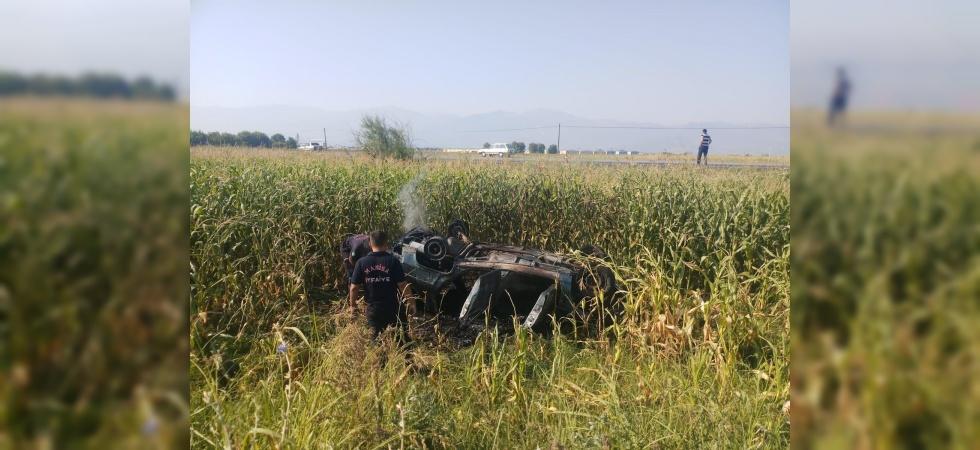 Manisa'da takla atan araç yandı: 4 yaralı