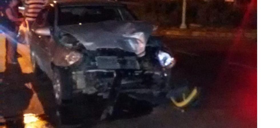 Minibüs ile otomobil çarpıştı; 4'ü çocuk, 2'si ağır 10 yaralı