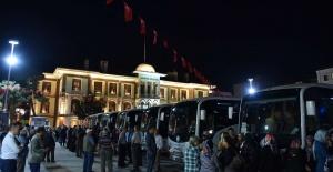 Büyükşehir binlerce Manisalıyı Çanakkale'ye...