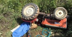 Çocukların kullandığı traktör devrildi: 1 ölü, 1 yaralı
