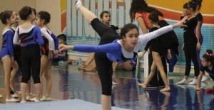 Yunusemre'de cimnastik kursu başlıyor
