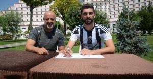 Manisa FK, Oğuz Kocabal'ı renklerine bağladı