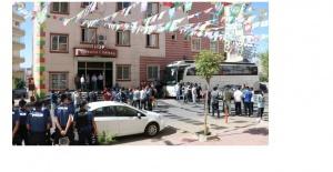 """Diyarbakırlı anneden HDP'ye: """"Yüreğimizi yakmak için parti kurmuşlar"""""""