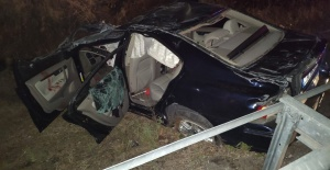 Köpeğe çarpan otomobil takla atarak şarampole devrildi: 1 ağır yaralı