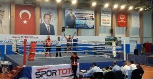 Salihlili sporcu Muay Thai'de Türkiye...