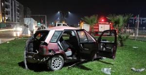 Manisa'da tır ile otomobil çarpıştı: 2 yaralı