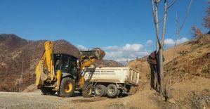 Kırsal mahallelerde yol çalışması devam ediyor