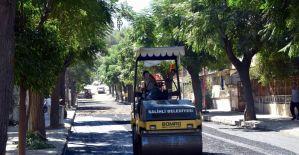 Salihli'de asfalt çalışmalarına devam ediliyor