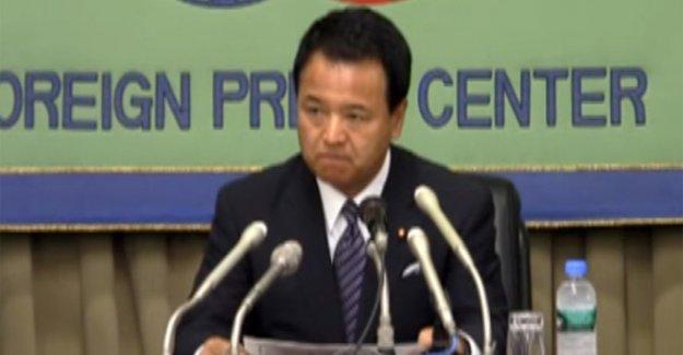 Japon Bakandan 'rüşvet' istifası