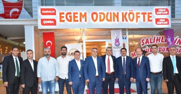 Ankara'daki Manisalılar İftarda Buluştu
