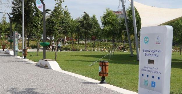 Atatürk Kent Park'ta Engelli Şarj İstasyonları Kuruldu