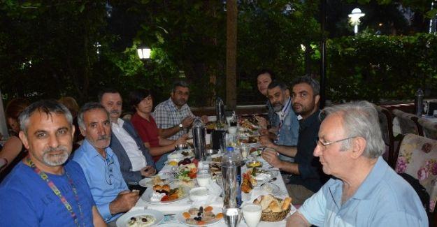 CHP Şehzadeler Teşkilatından Basına İftar