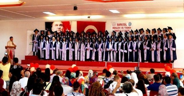 Sarıgöl Mesleki Teknik Anadolu Lisesi'nde Mezuniyet Töreni