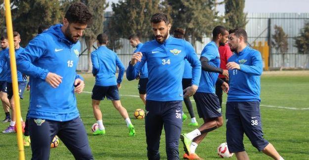 Akhisar Belediyespor, kupada Başakşehir'in konuğu oluyor