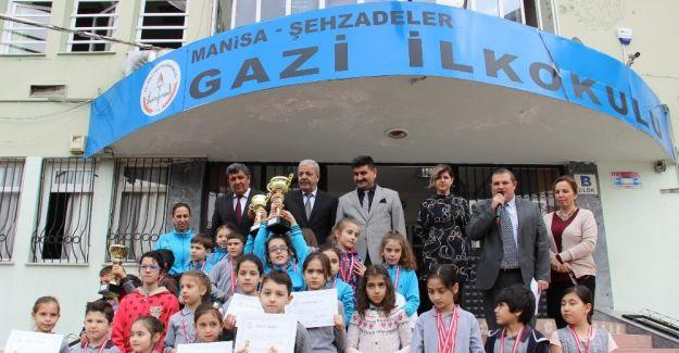 Gazi'nin şampiyonları gelecek için ümit verdi
