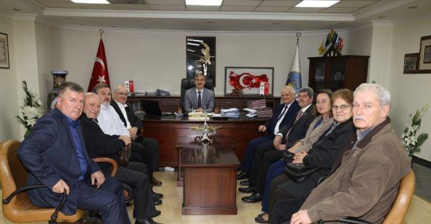 İzmirli Makedonyalılar Başkan Şirin'i ziyaret etti