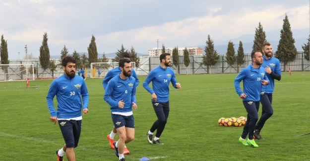 Akhisar Belediyespor, Gençlerbirliği hazırlıklarını sürdürüyor