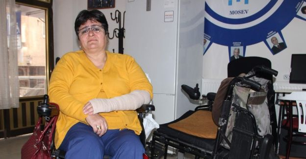 Engelli kadına çarpıp kaçtı