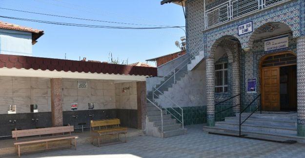 Salihli Belediyesinden camilere hizmet desteği