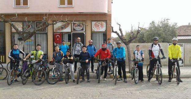 Salihlili bisikletçiler sezonu açtı