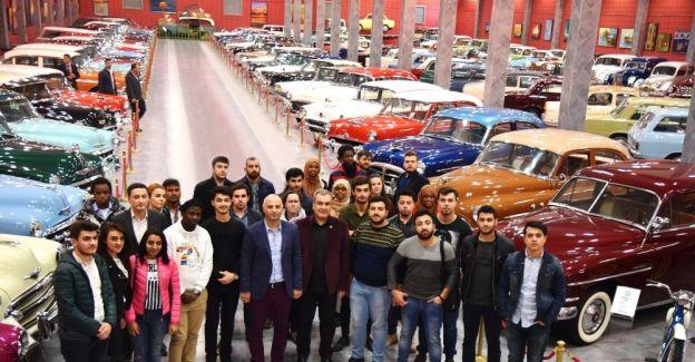 Yabancı öğrenciler Akhisar'ı gezdi