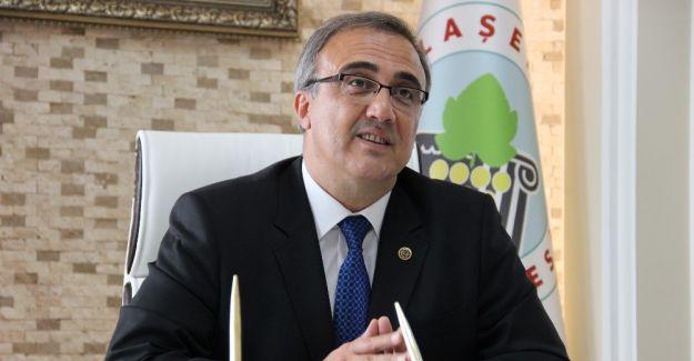 Başkan Karaçoban Türkeş'i andı