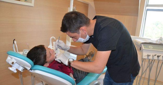 Salihli'de çocuk diş hekimi göreve başladı