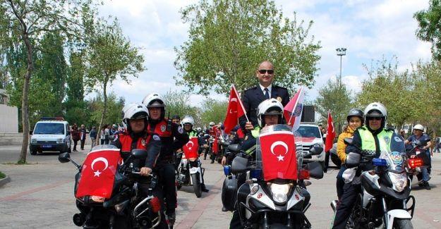 Salihli'de Polis Haftası kortejle başladı