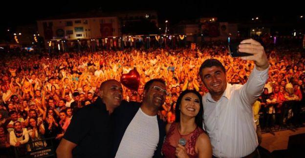 Ankaralı Ayşe'den Kulalılara Bayram Konseri