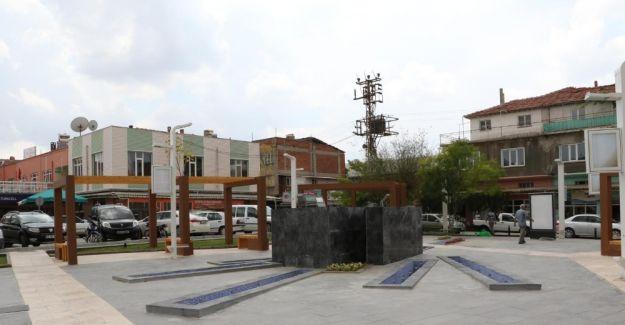 Gördesli Makbule'nin eskiyen heykelinin yerine yenisi yapılıyor
