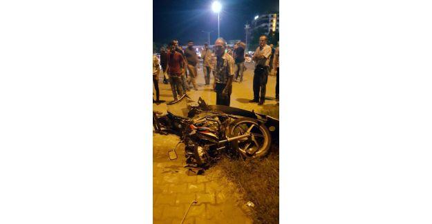 Motosiklet sürücüsünün can verdiği kaza MOBESE kamerasına yansıdı