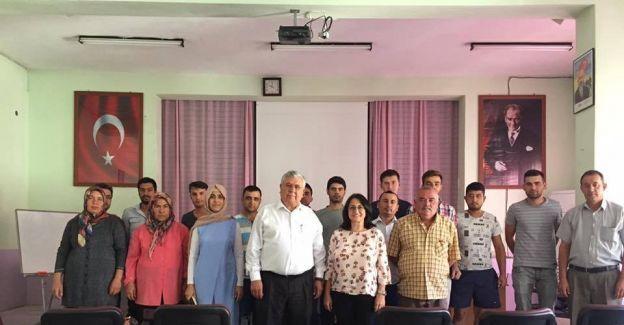 Salihli TSO Selendi'de girişimcilik kursu açtı