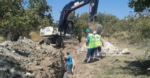 Tarım arazisinden geçen kanalizasyon hattının güzergahı değişti