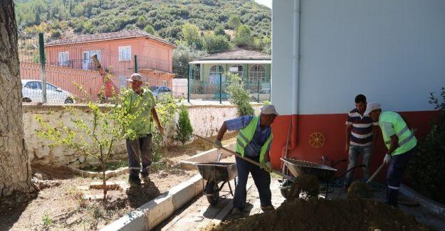 Turgutlu'da okulların çevreleri belediyeyle güzelleşti