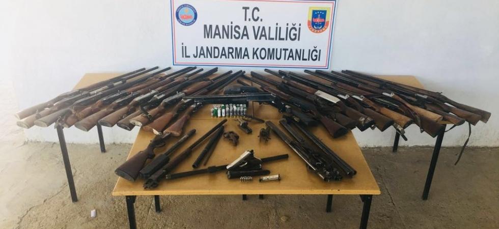 22 adet av tüfeğiyle birlikte yakalandı