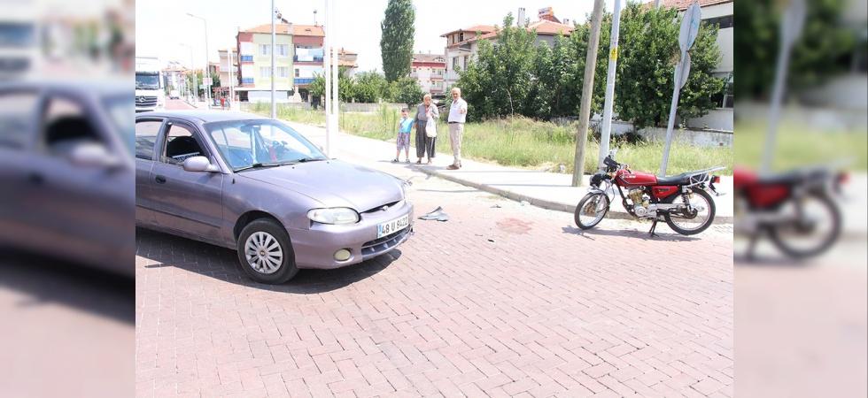Dikkatsizlik Kaza Getirdi! 1 Yaralı!